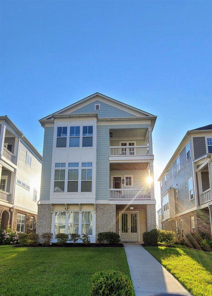 Peachtree City                                                                      , GA - $620,000
