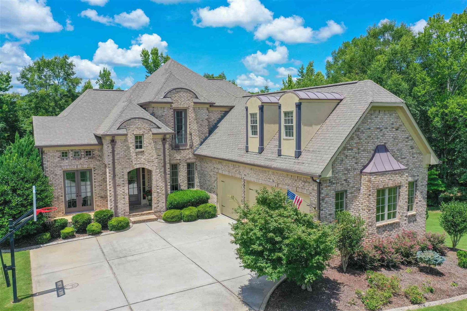 Newnan                                                                      , GA - $698,900