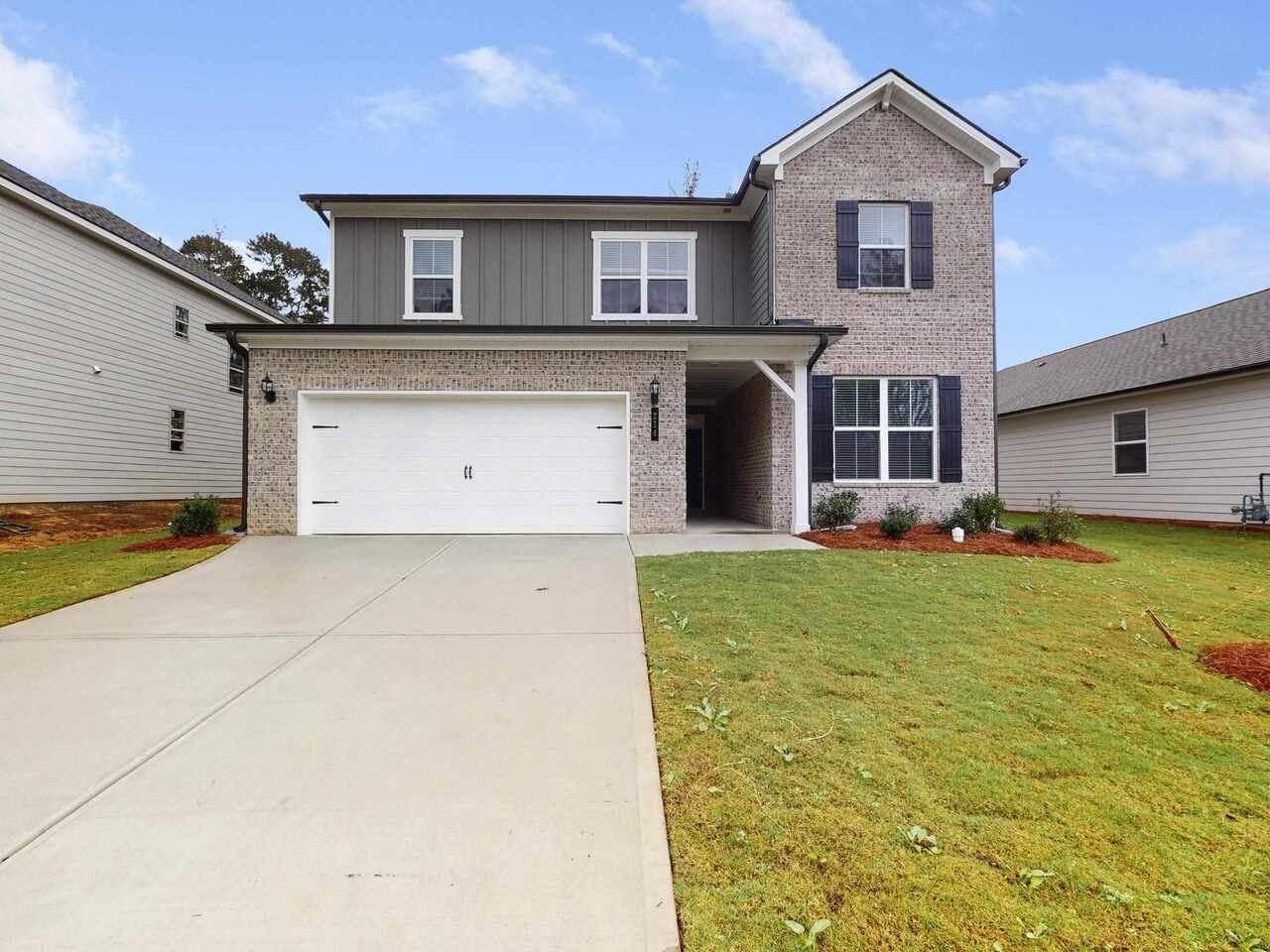 Peachtree City                                                                      , GA - $470,000
