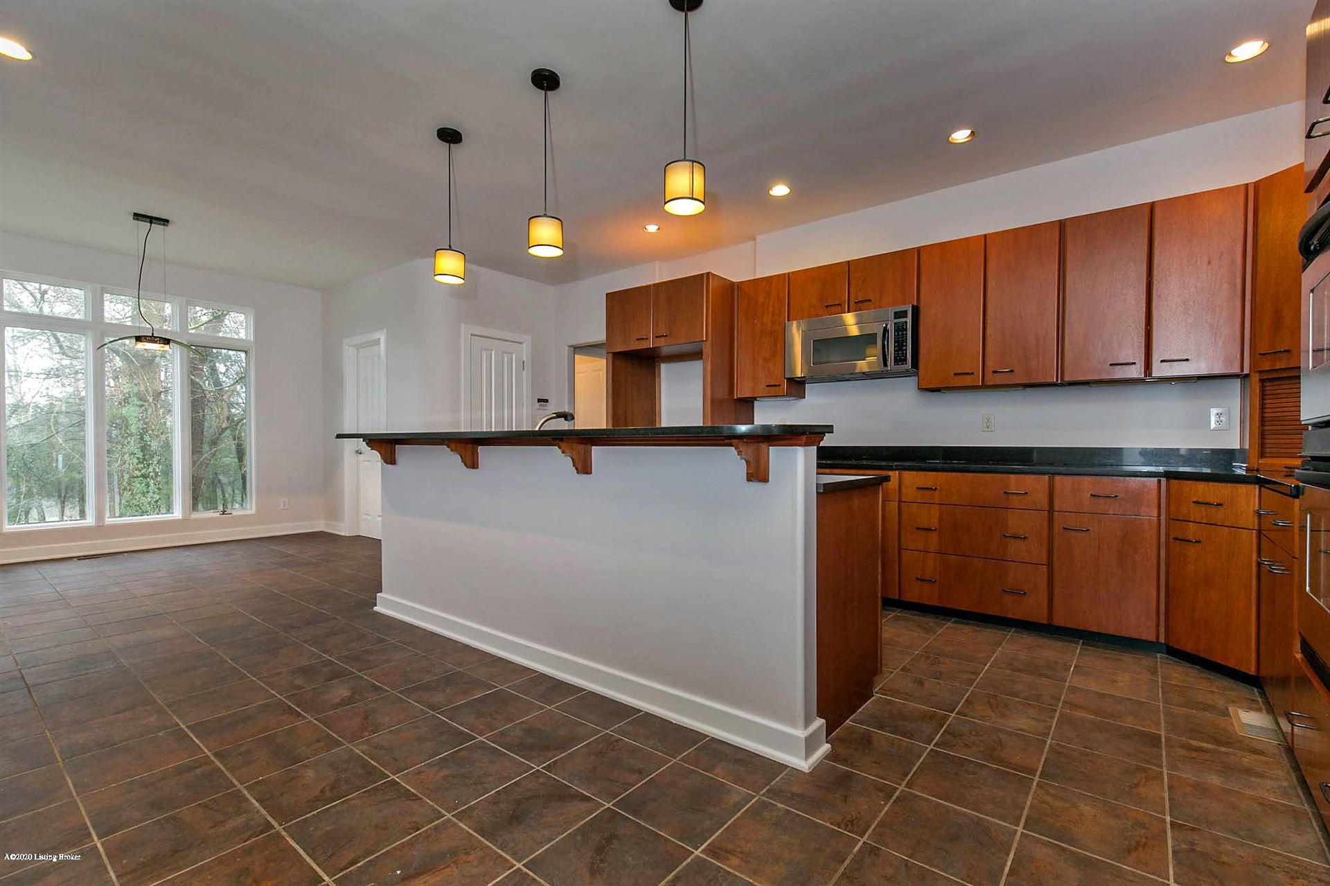 Property Image Of 105 Cherry Hills Ln In Louisville, Ky