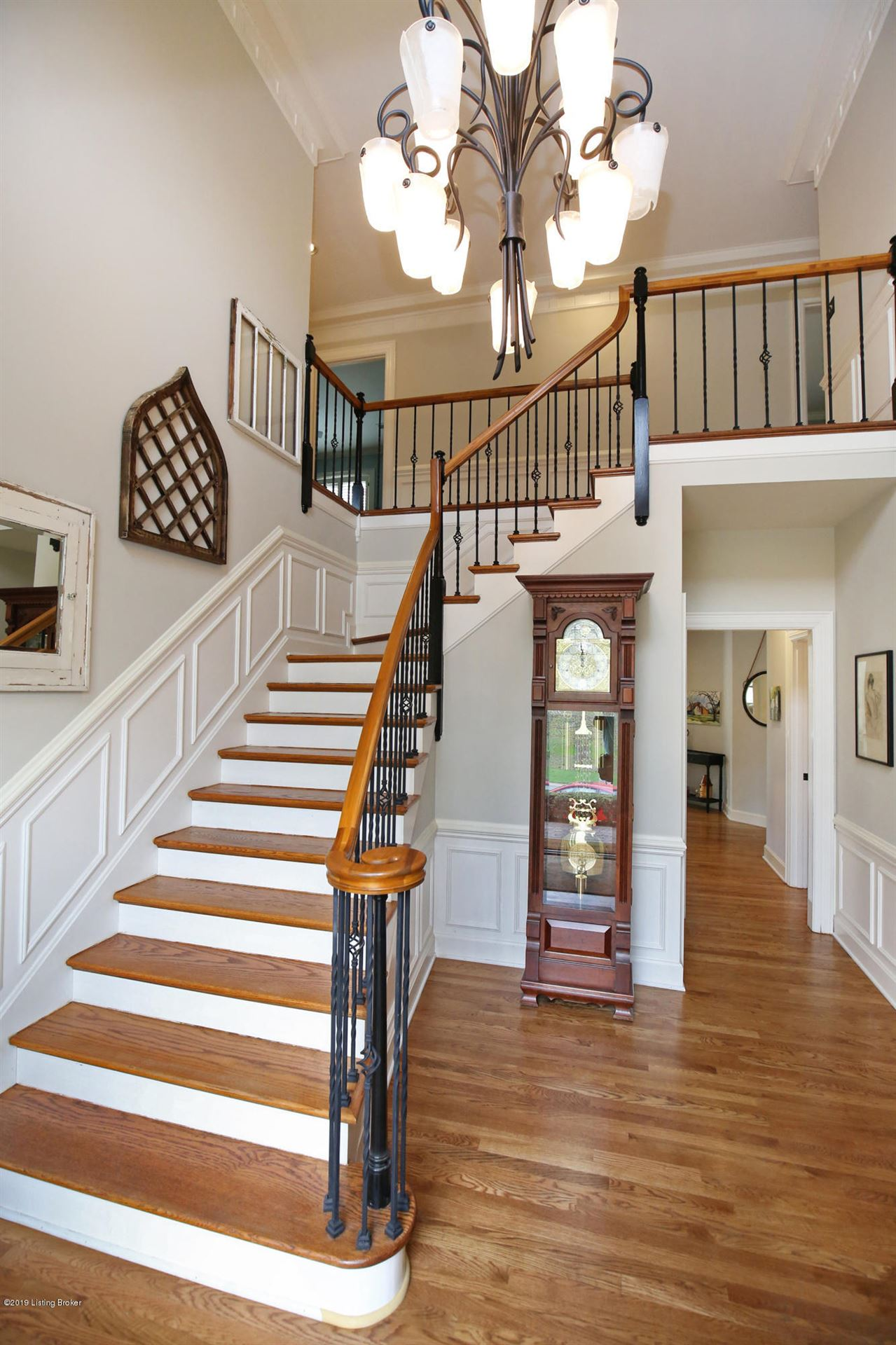 Property Image Of 1012 Anchorage Woods Cir In Anchorage, Ky