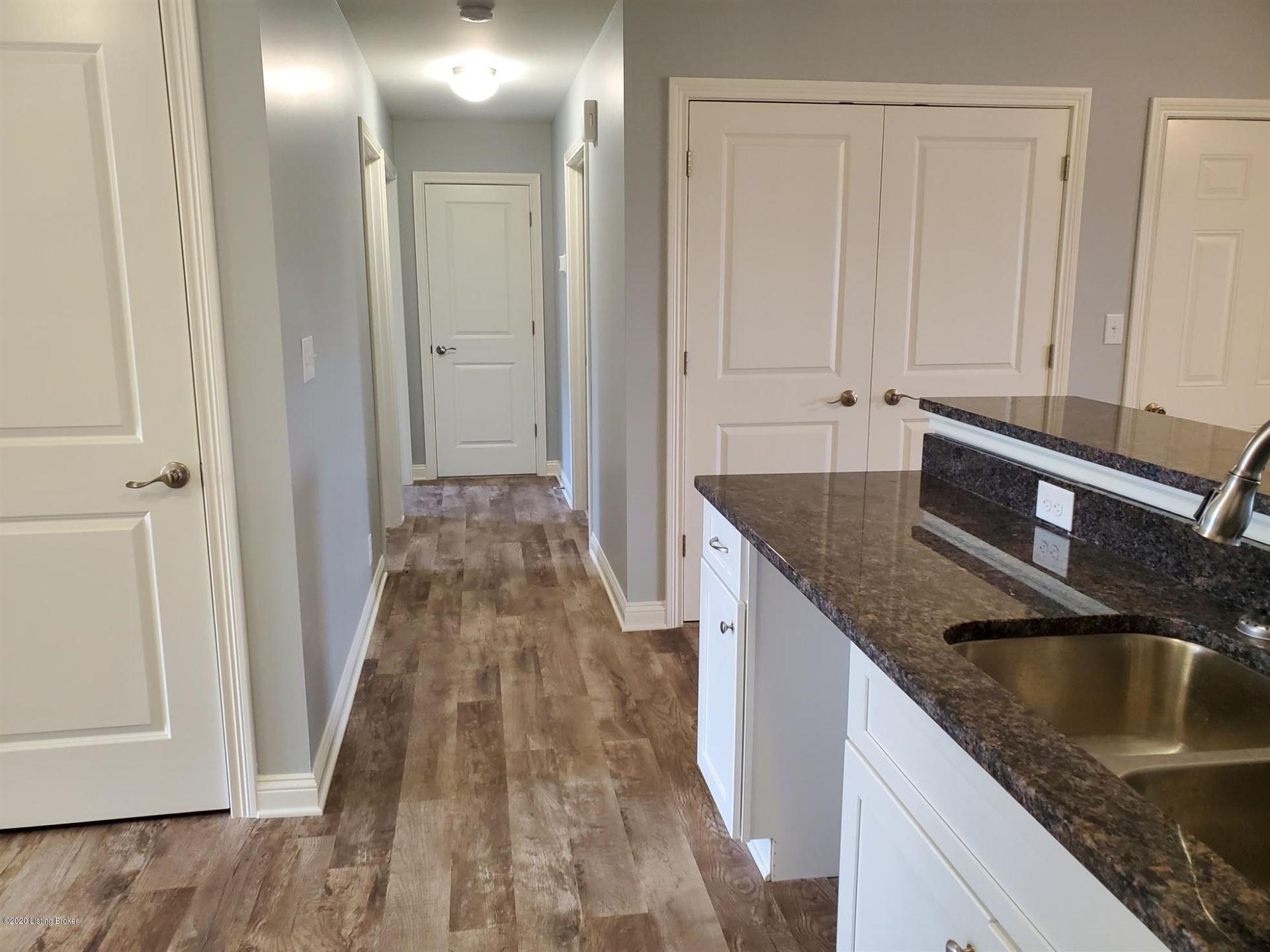 Property Image Of 413 Woodlake Dr In Mt Washington, Ky