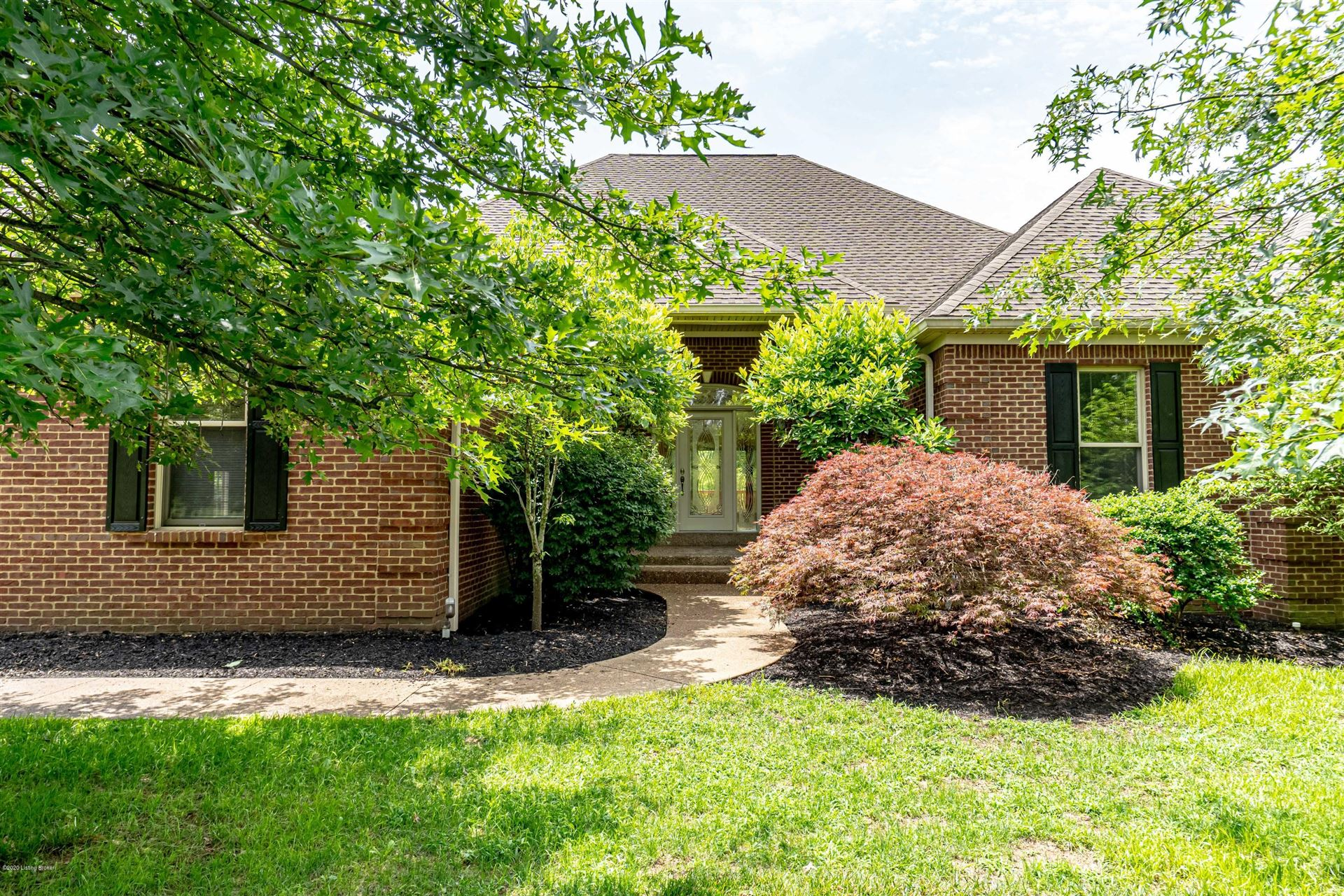Property Image Of 222 Hunters Pointe Pl In Simpsonville, Ky