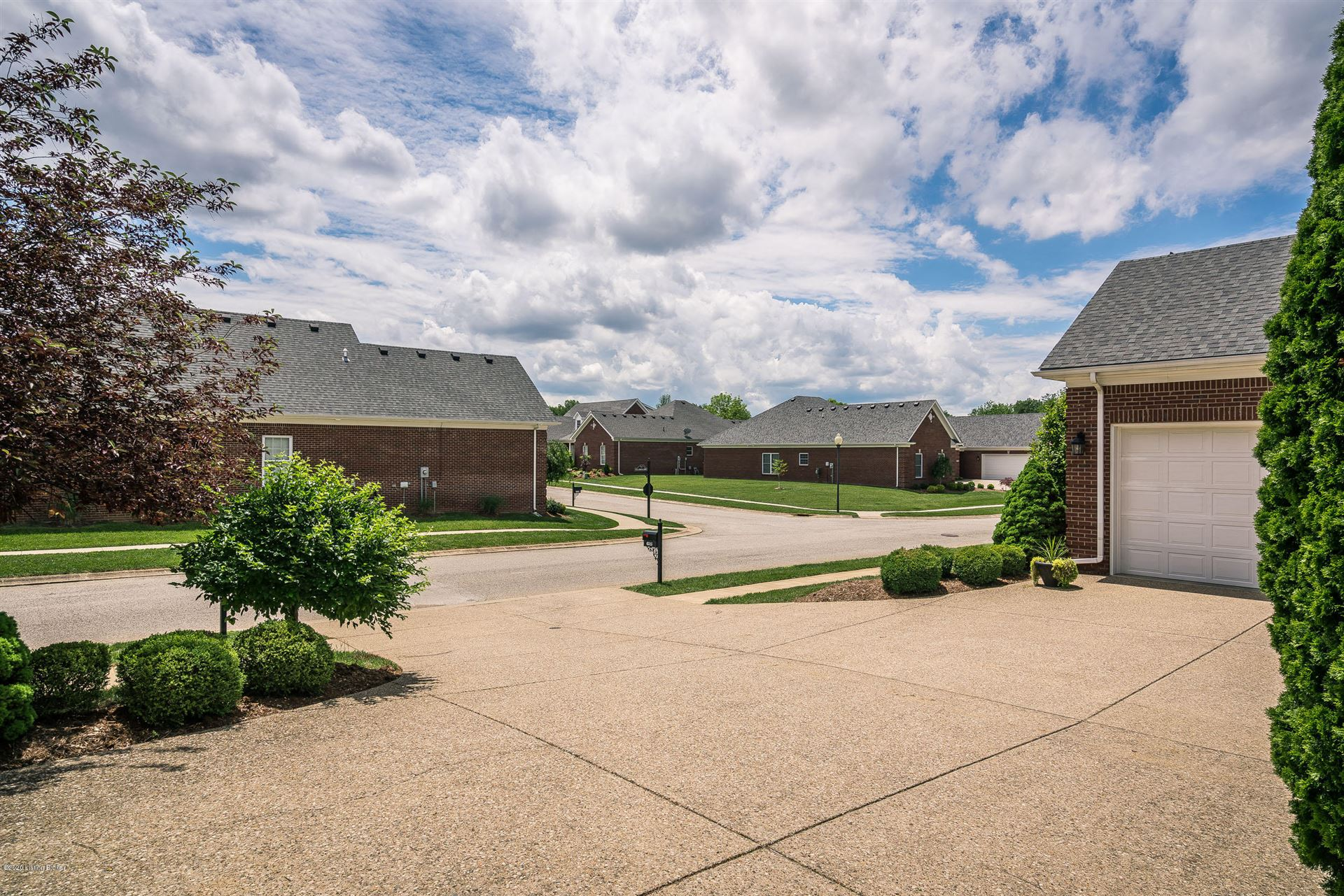 Property Image Of 6517 Villa Spring Dr In Louisville, Ky
