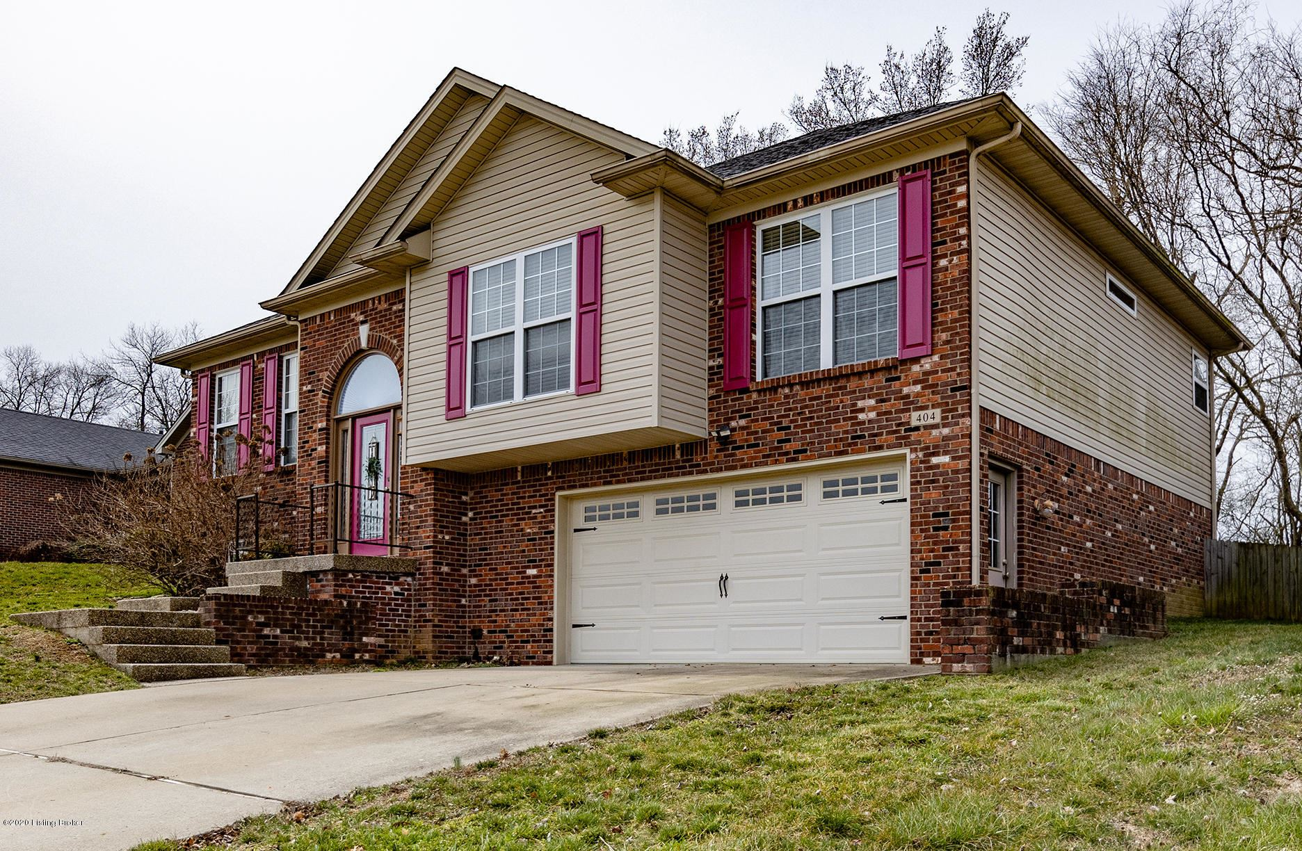 Property Image Of 404 Oakview Dr In Shelbyville, Ky