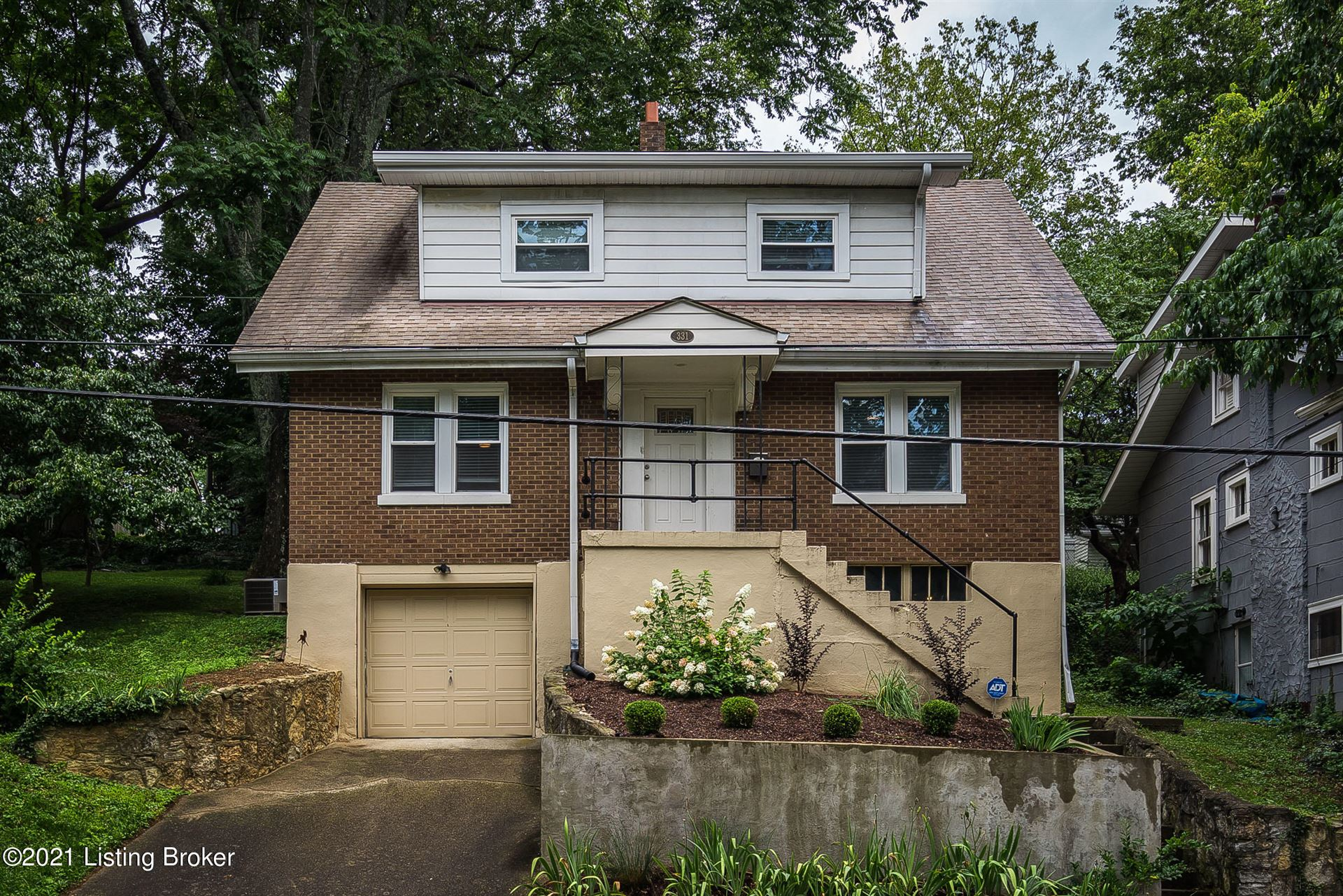 Louisville,KY- $299,000