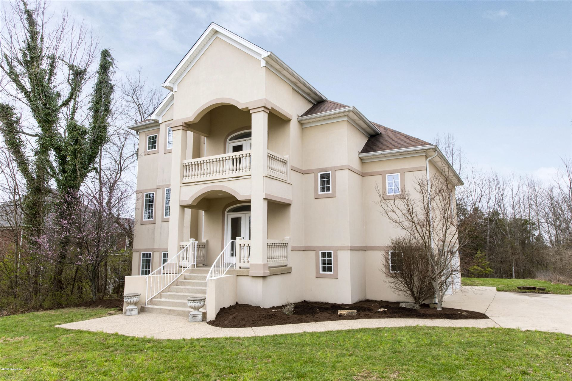 Property Image Of 7102 Jones Trace In Crestwood, Ky