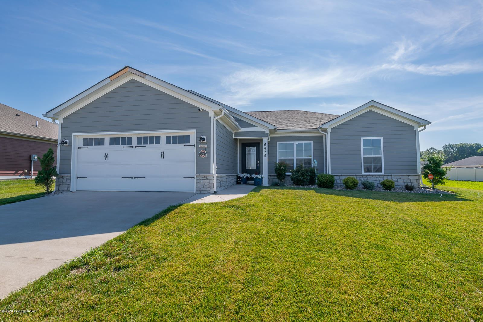 Property Image Of 6434 Anna Louise Dr In Charlestown, In