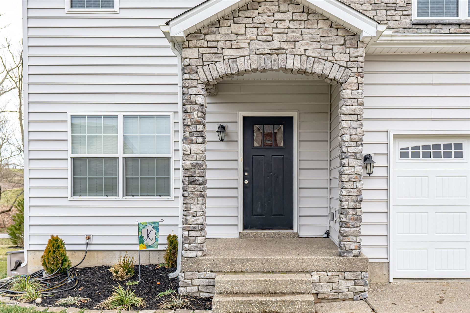 Property Image Of 2069 Two Springs Dr In Shelbyville, Ky