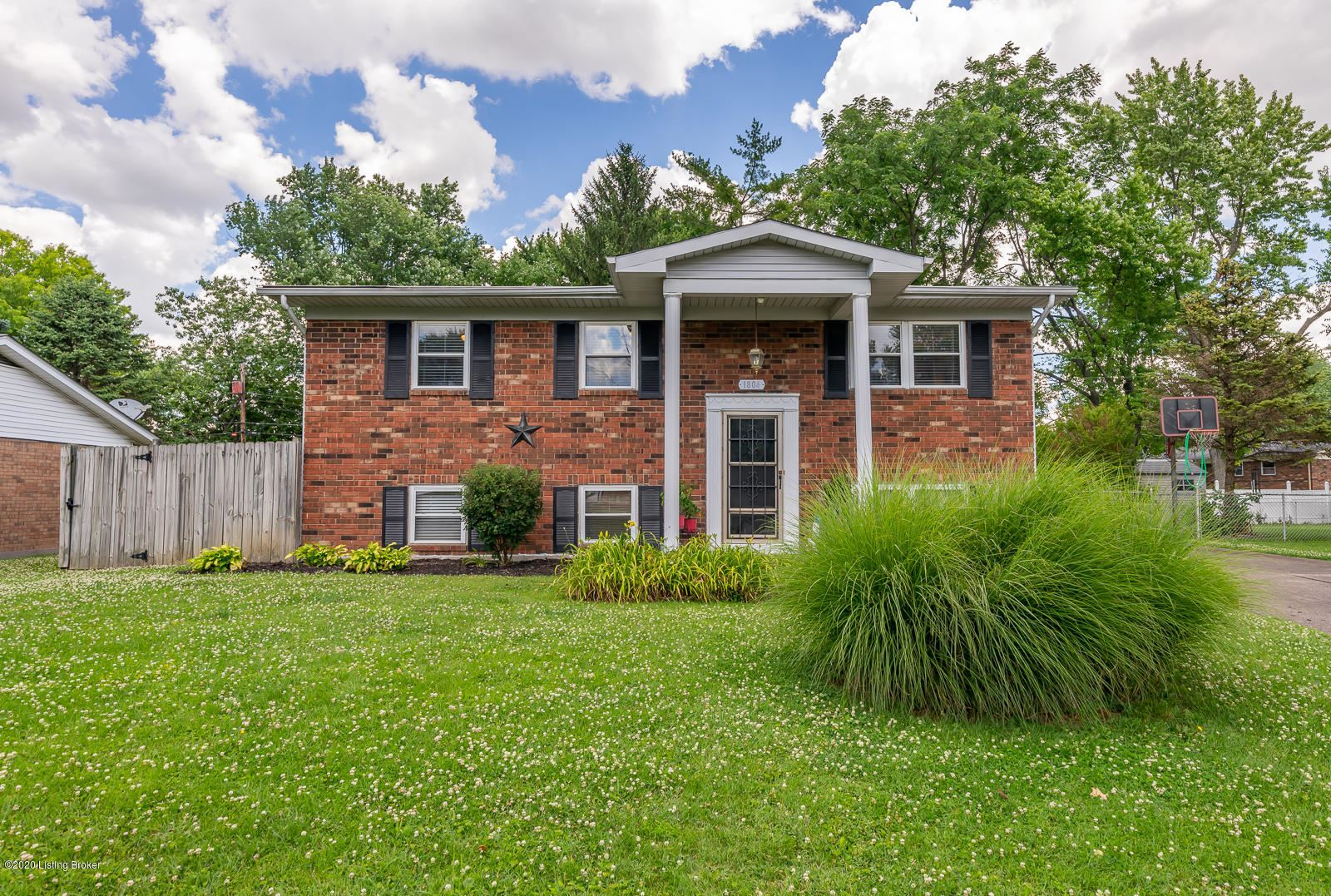 Property Image Of 1804 Tennyson Dr In Clarksville, In