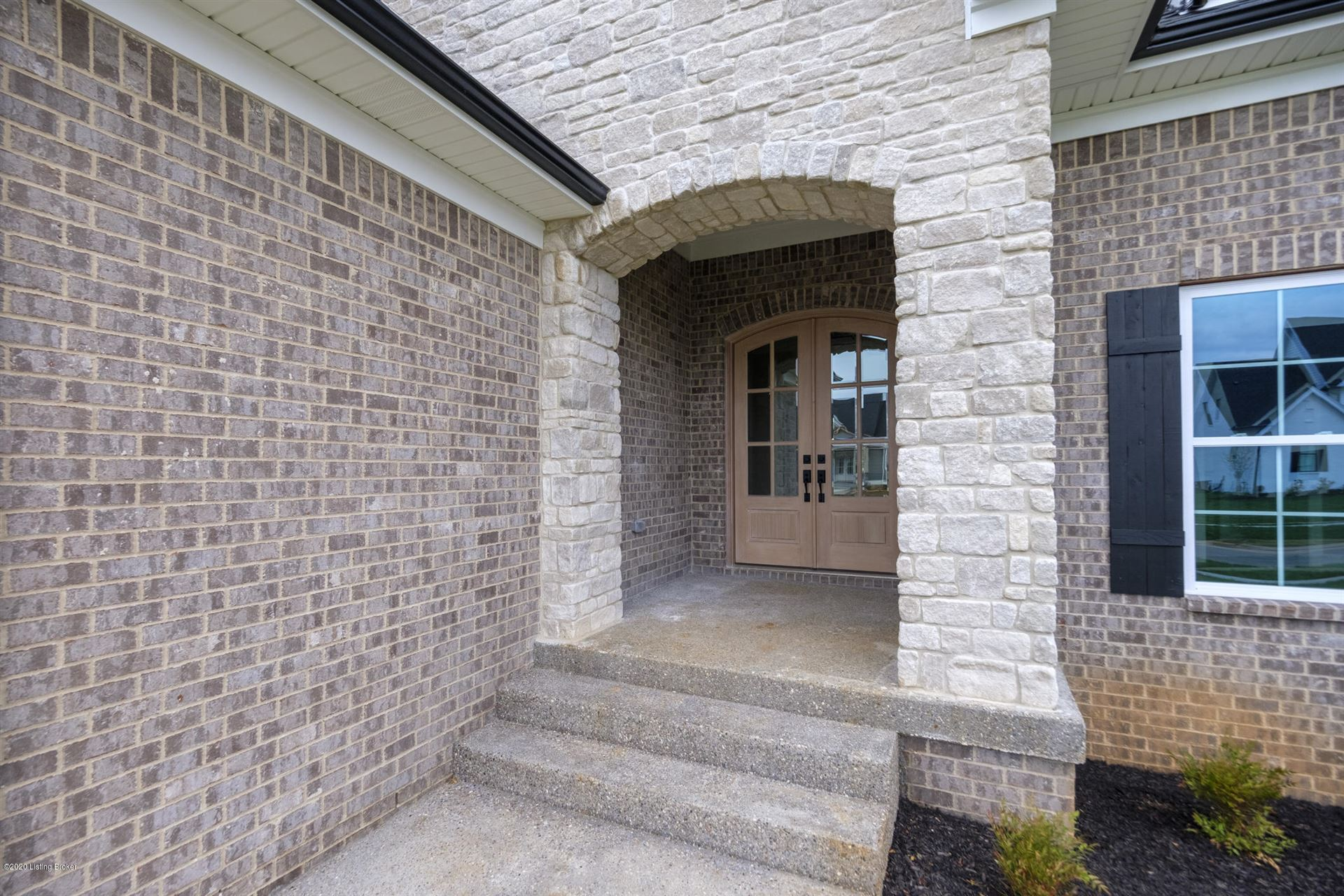 Property Image Of 7505 Lone Oak Ct In Crestwood, Ky