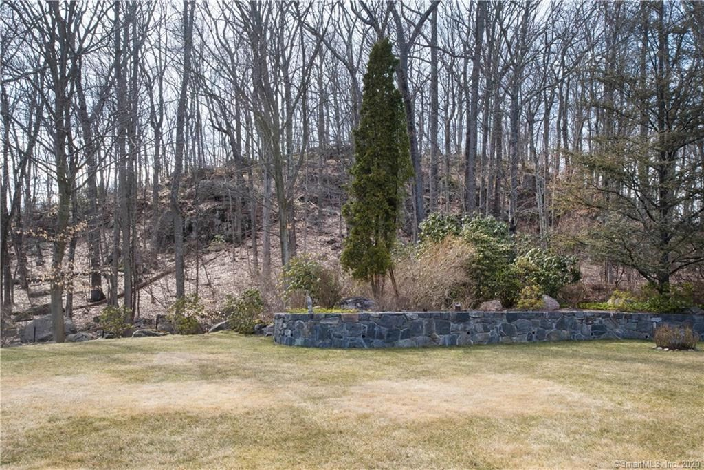 New Canaan                                                                      , CT - $6,550,000