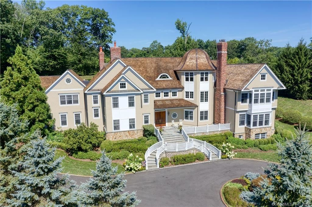 New Canaan                                                                      , CT - $4,290,000