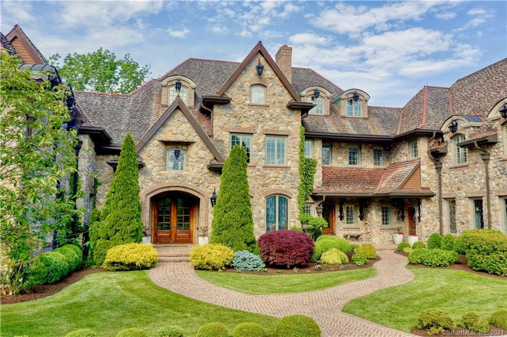 New Canaan                                                                      , CT - $7,800,000