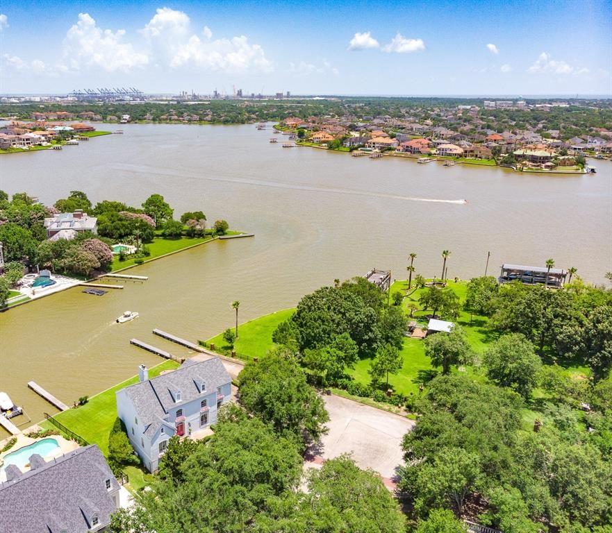 1102 Larkspur Lane                                                                               Seabrook                                                                      , TX - $979,000