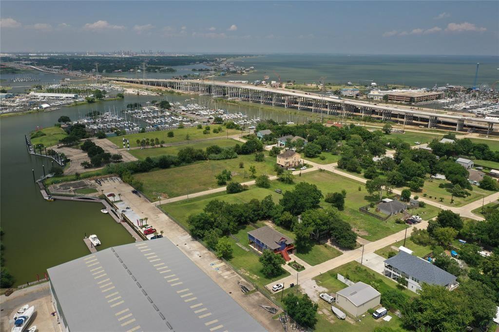 Kemah                                                                      , TX - $110,000