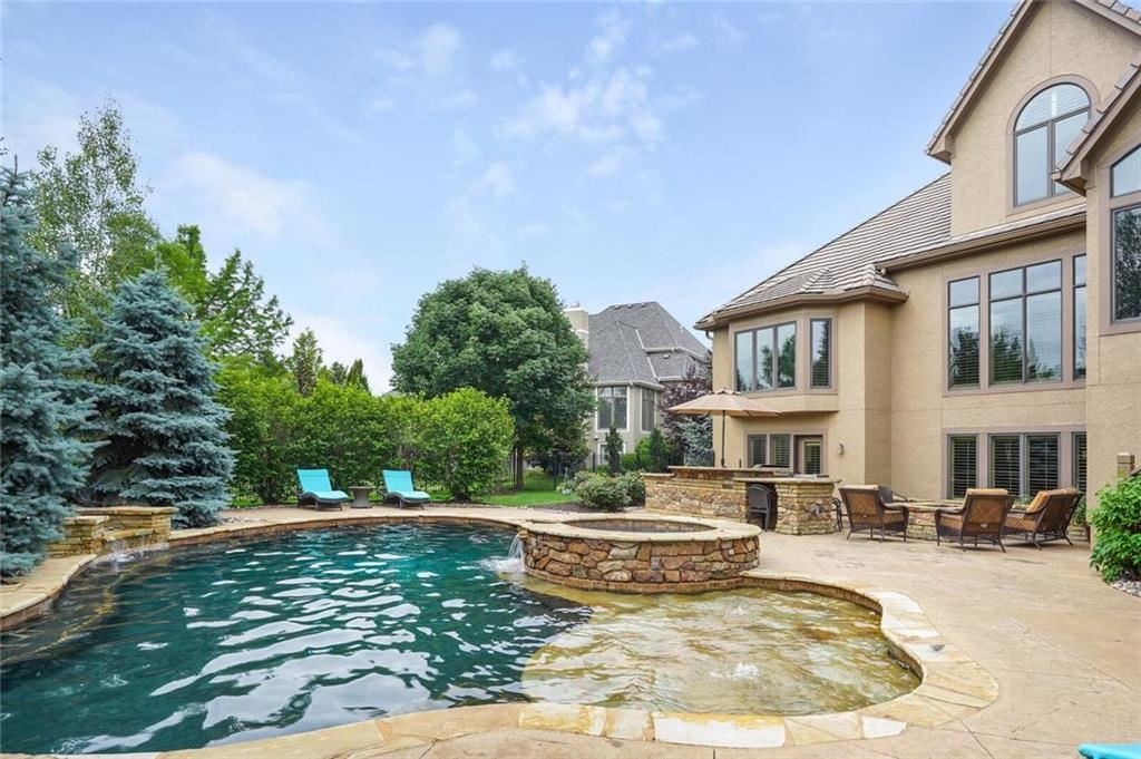 Overland Park                                                                      , KS - $1,165,000