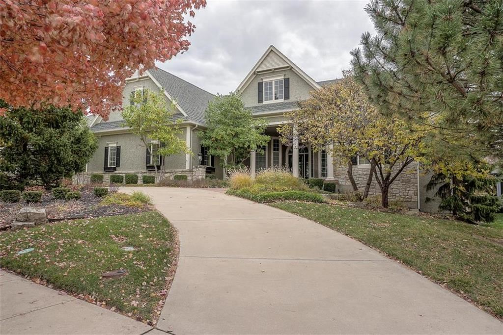 Overland Park                                                                      , KS - $855,000