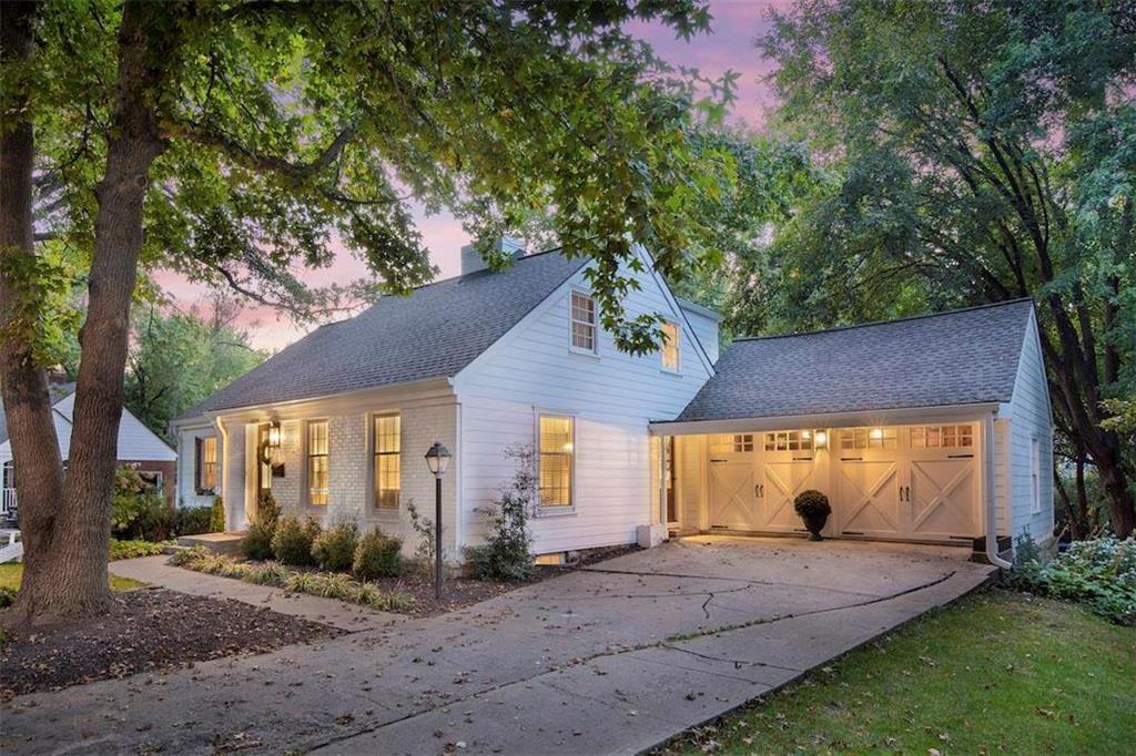 Leawood                                                                      , KS - $565,000