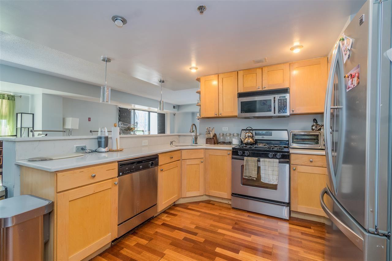 Hoboken                                                                      , NJ - $749,000