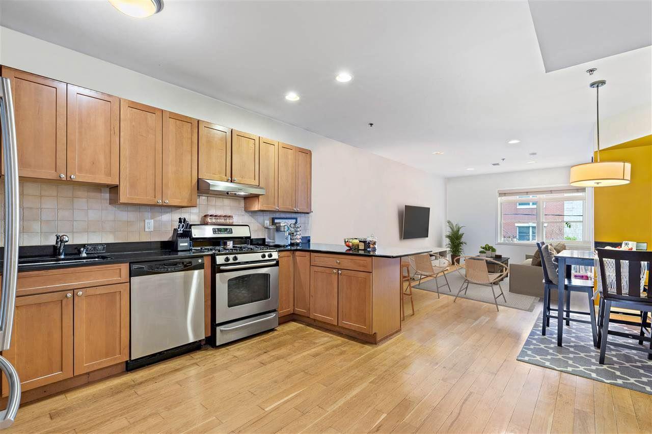 Hoboken                                                                      , NJ - $725,000
