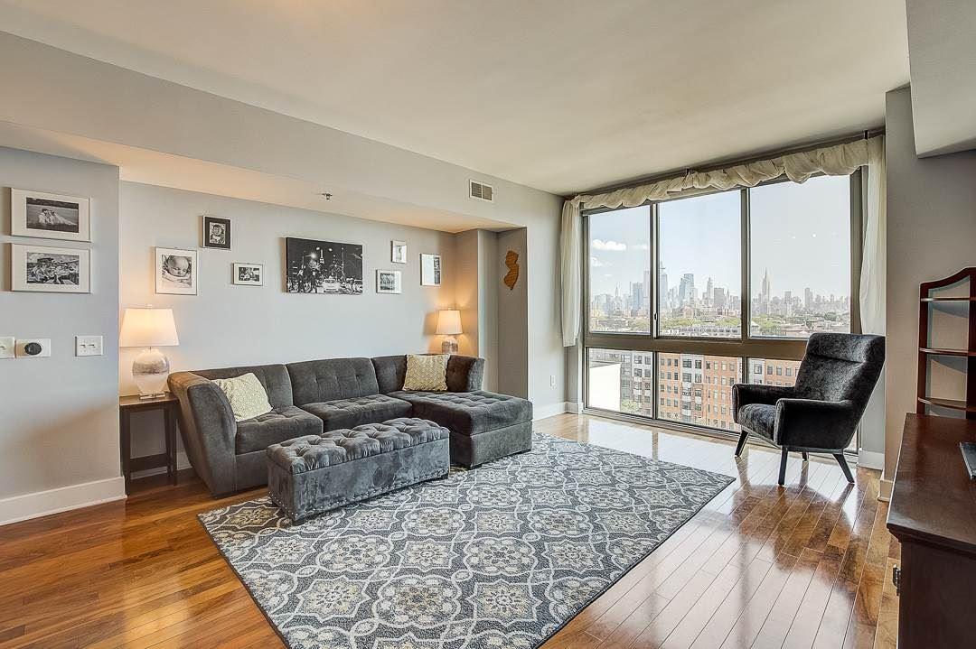 Hoboken                                                                      , NJ - $749,999