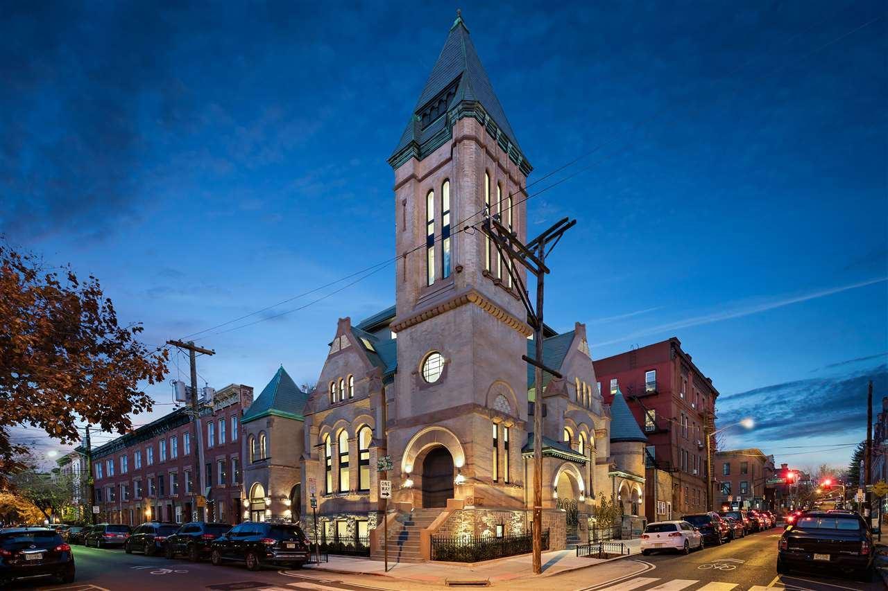901 BLOOMFIELD ST #3                                                                               Hoboken                                                                      , NJ - $2,799,000