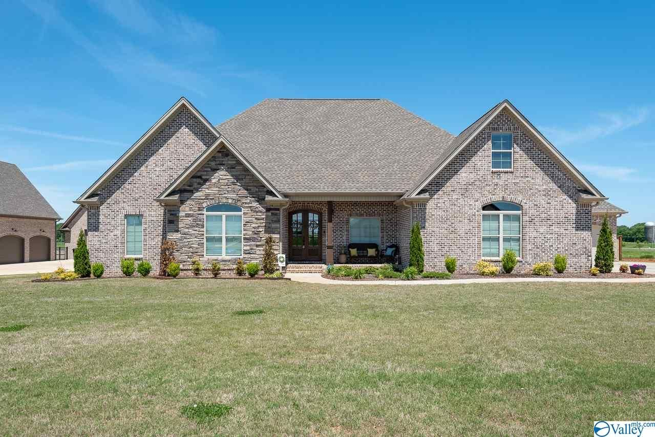 Property Image Of 396 Stone Ridge Drive In Tuscumbia, Al