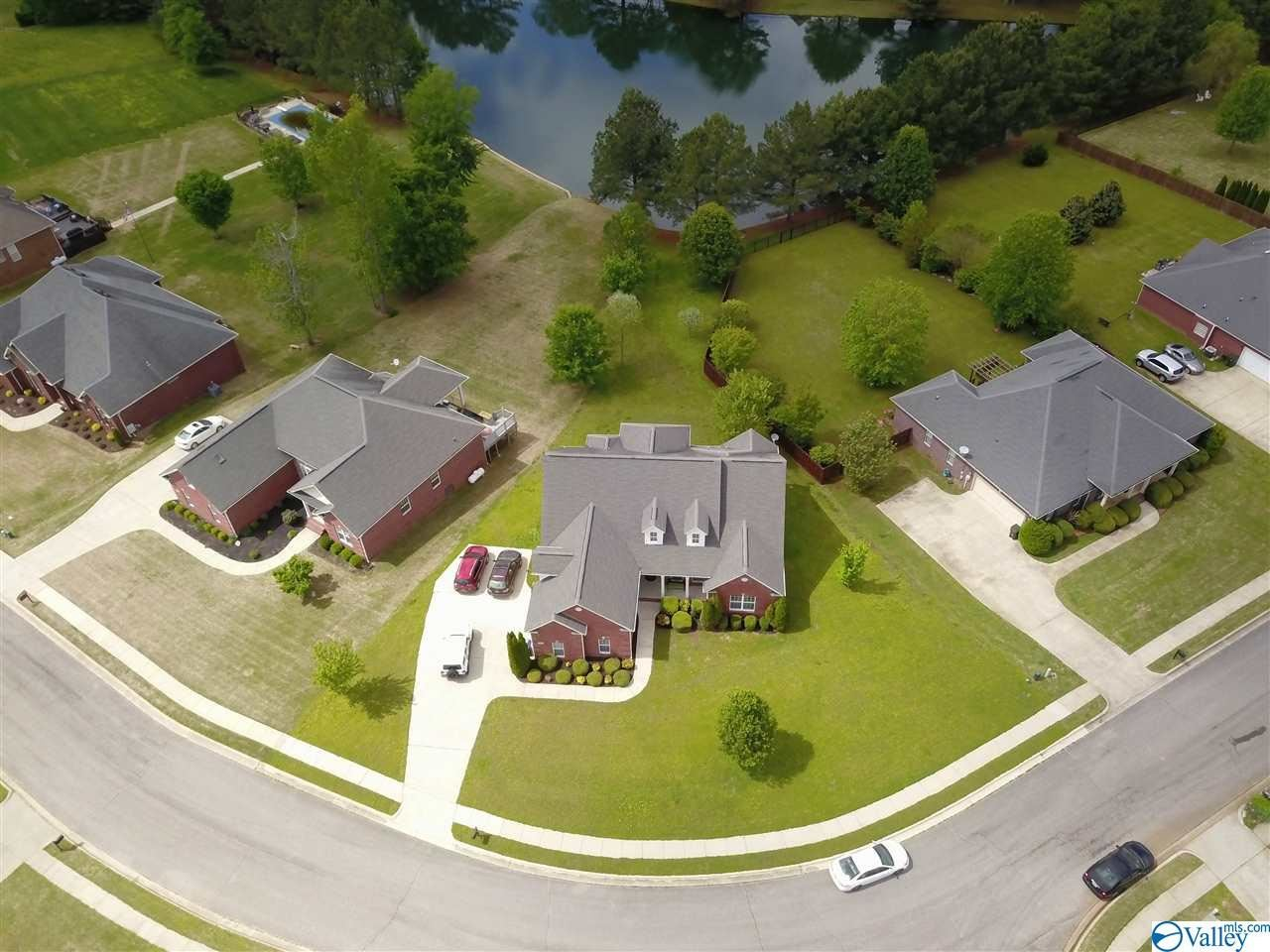 Property Image Of 217 Twin Lakes Drive In New Market, Al
