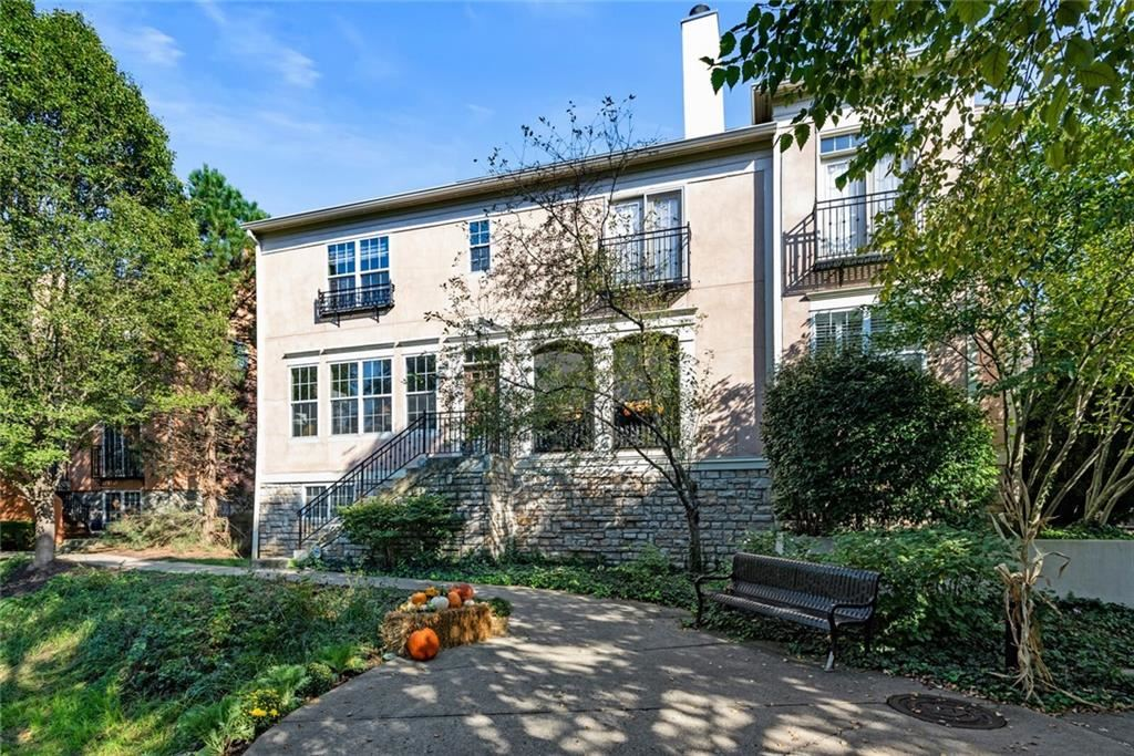 Indianapolis,IN- $330,000