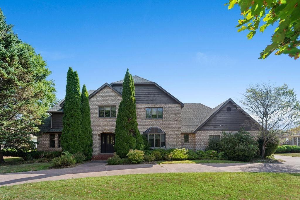 Schererville                                                                      , IN - $580,000