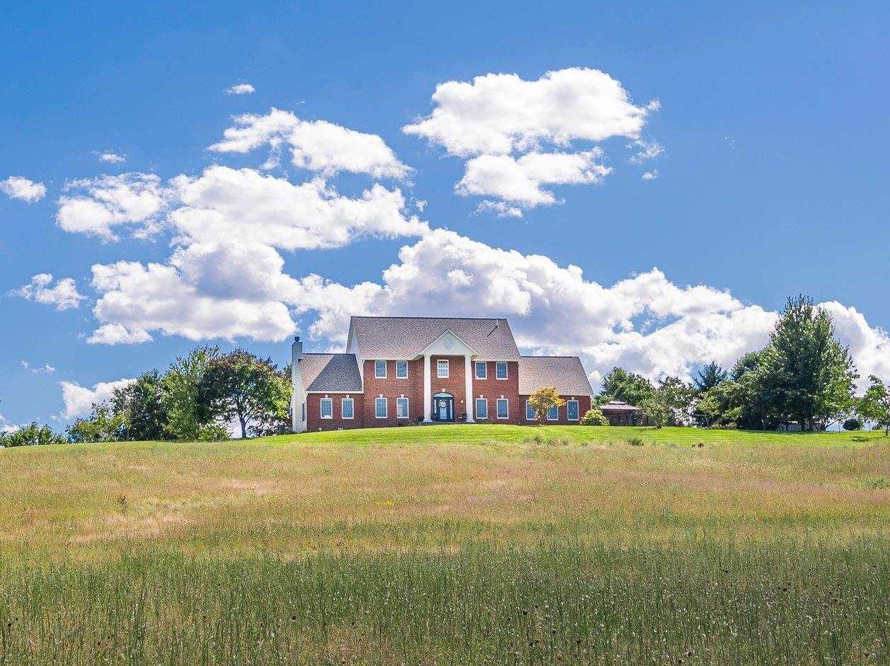 Bloomfield                                                                      , IN - $1,100,000