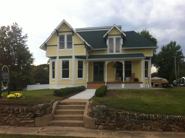 Worthington                                                                      , IN - $279,900