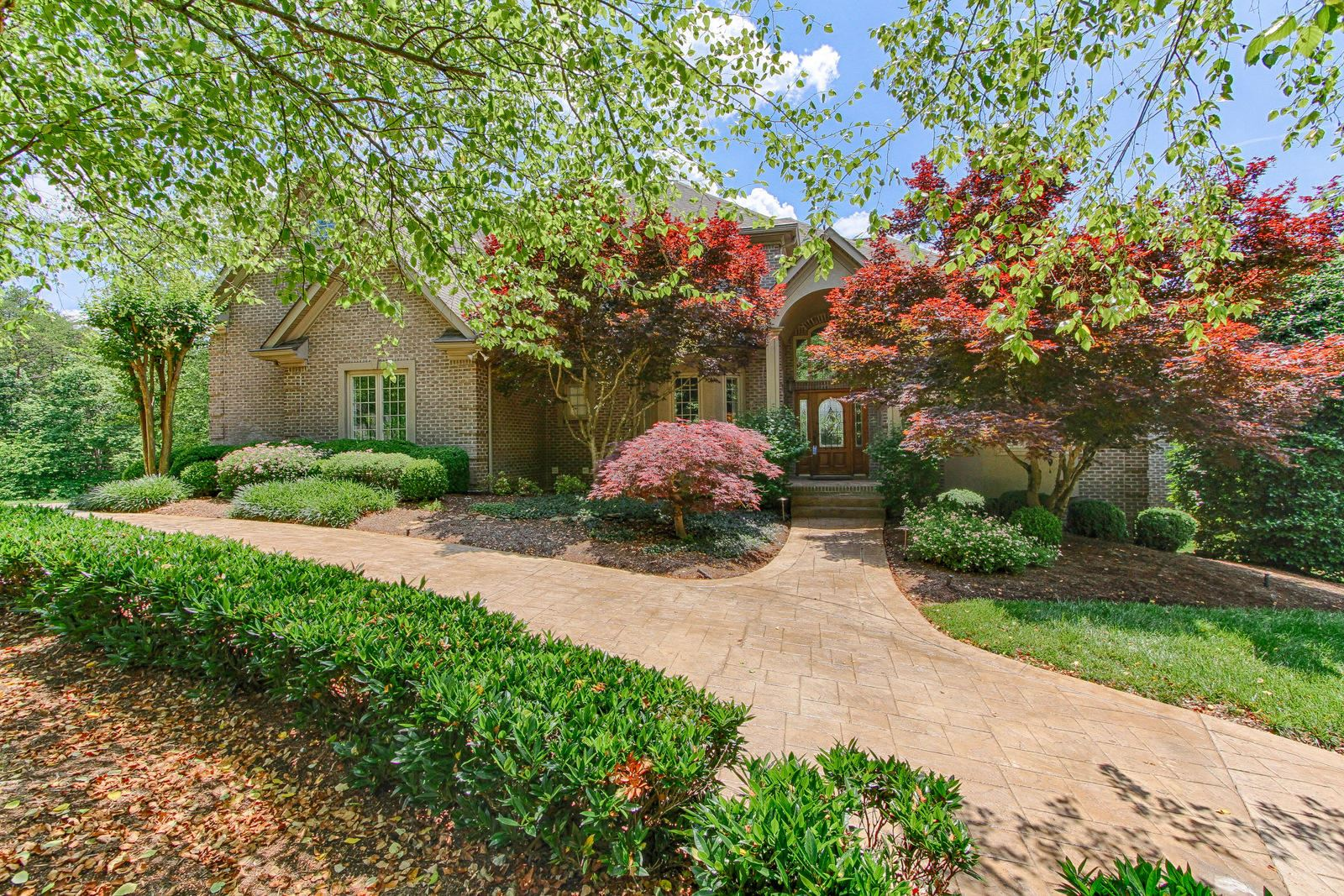 Knoxville                                                                      , TN - $1,950,000