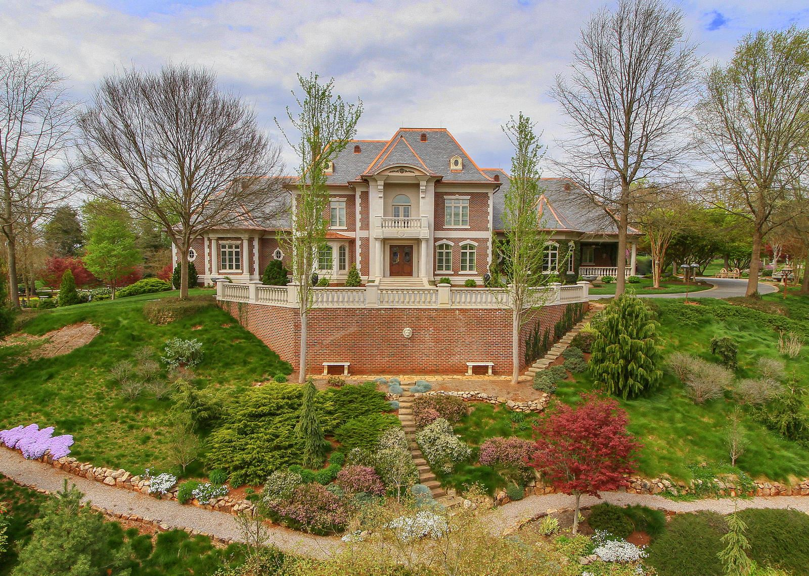 Knoxville                                                                      , TN - $5,895,000
