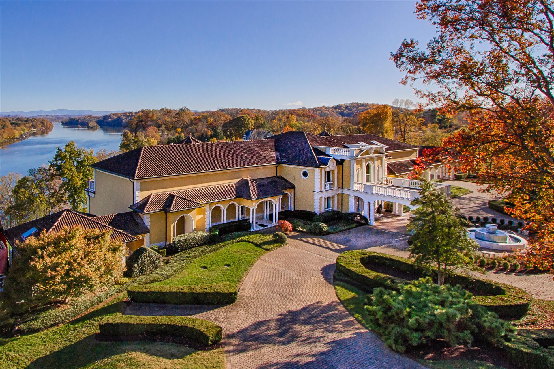 Knoxville                                                                      , TN - $8,900,000