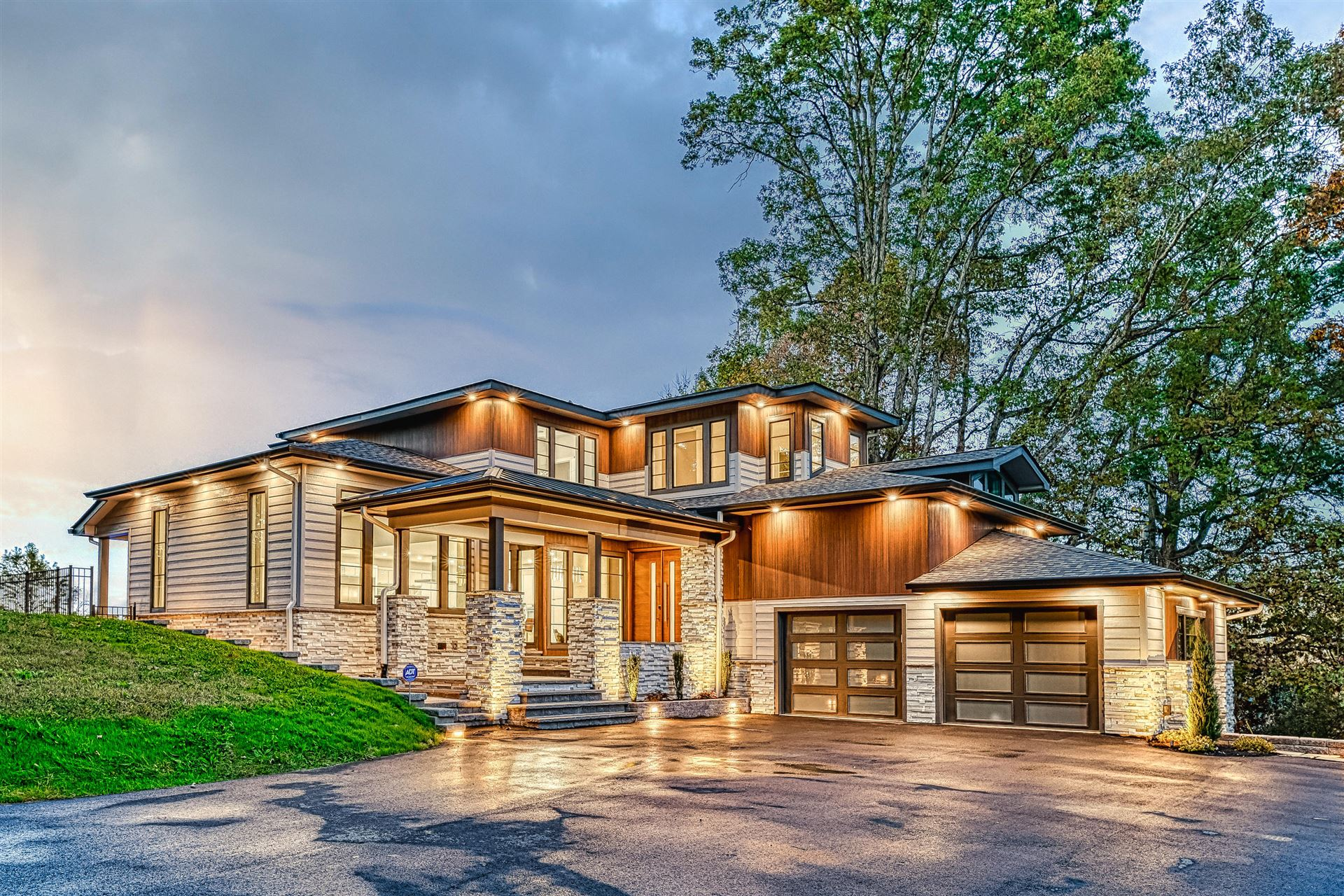 Knoxville                                                                      , TN - $1,499,950
