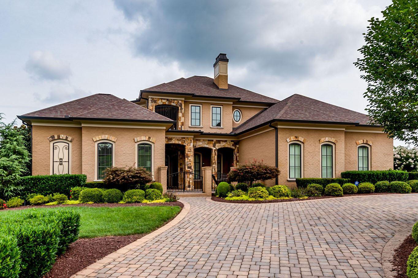 Knoxville                                                                      , TN - $1,795,000