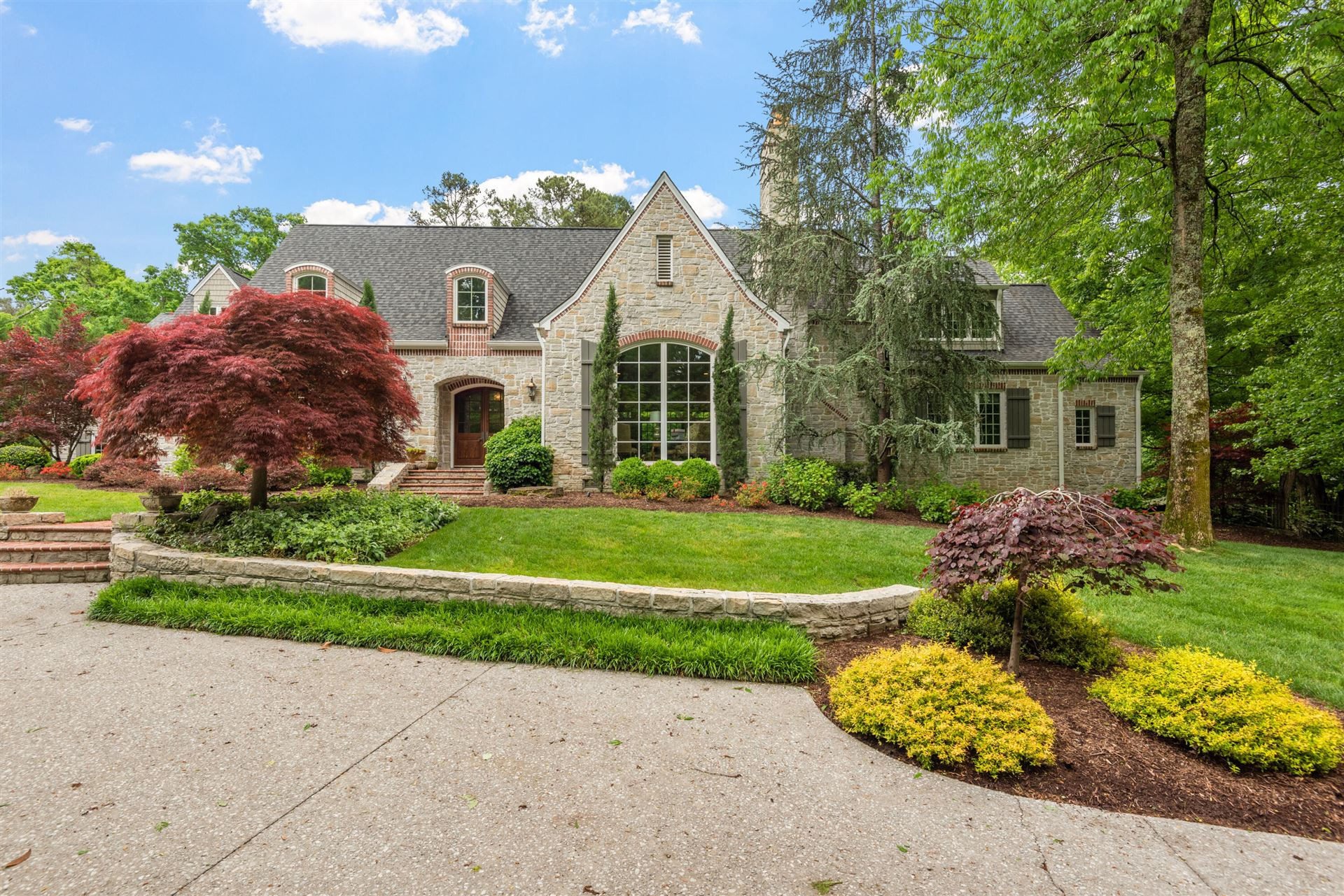 Knoxville                                                                      , TN - $2,595,000