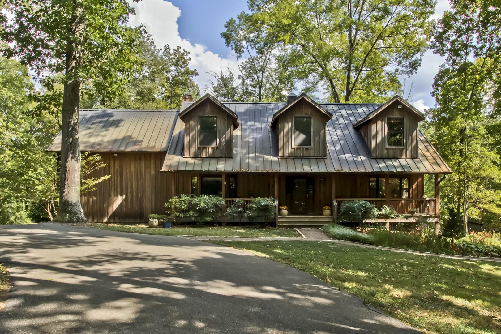 Knoxville                                                                      , TN - $1,699,900