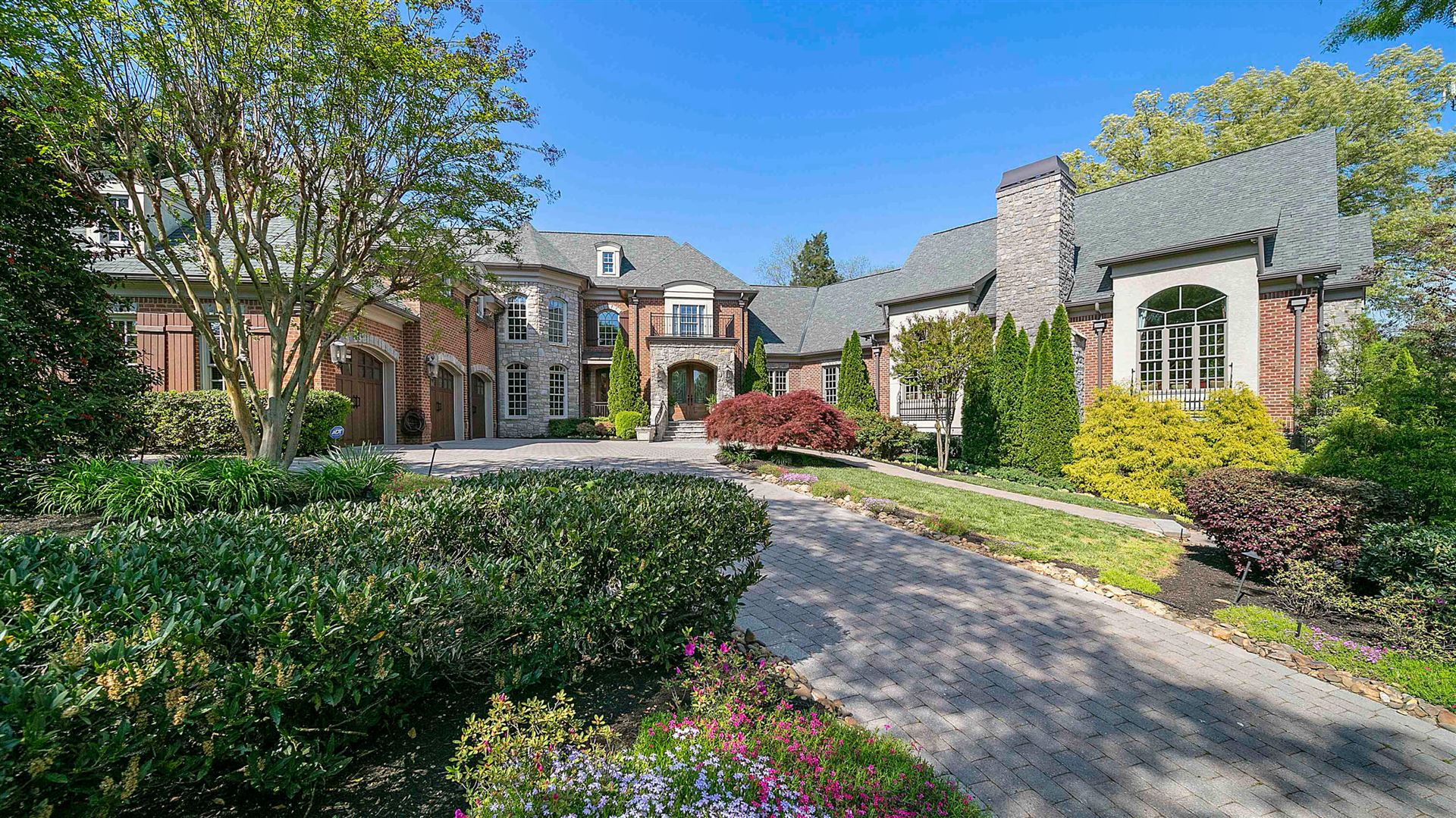 Knoxville                                                                      , TN - $2,750,000