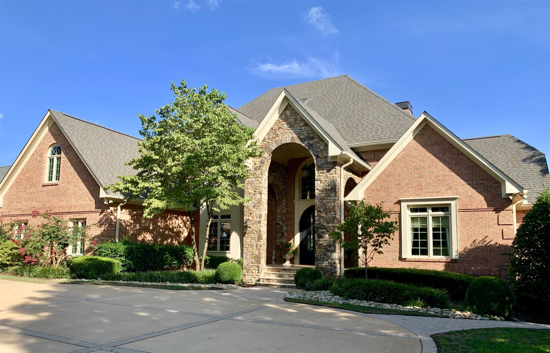 Knoxville                                                                      , TN - $2,295,000