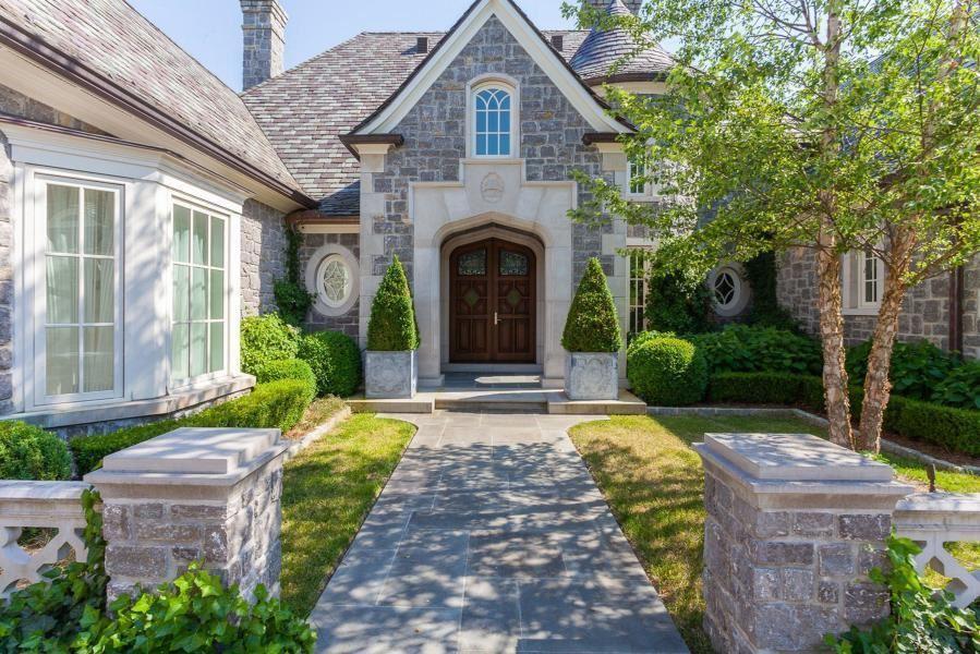 Knoxville                                                                      , TN - $3,300,000