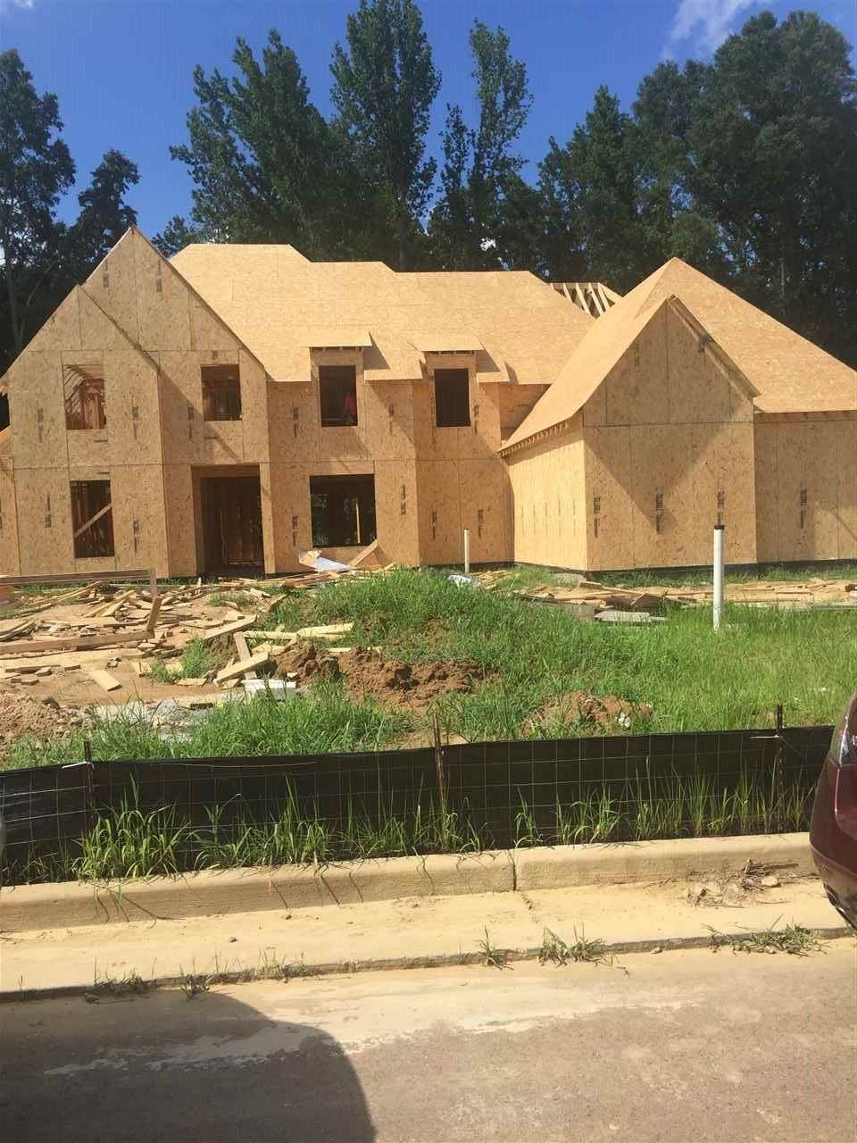 Lakeland                                                                      , TN - $505,800