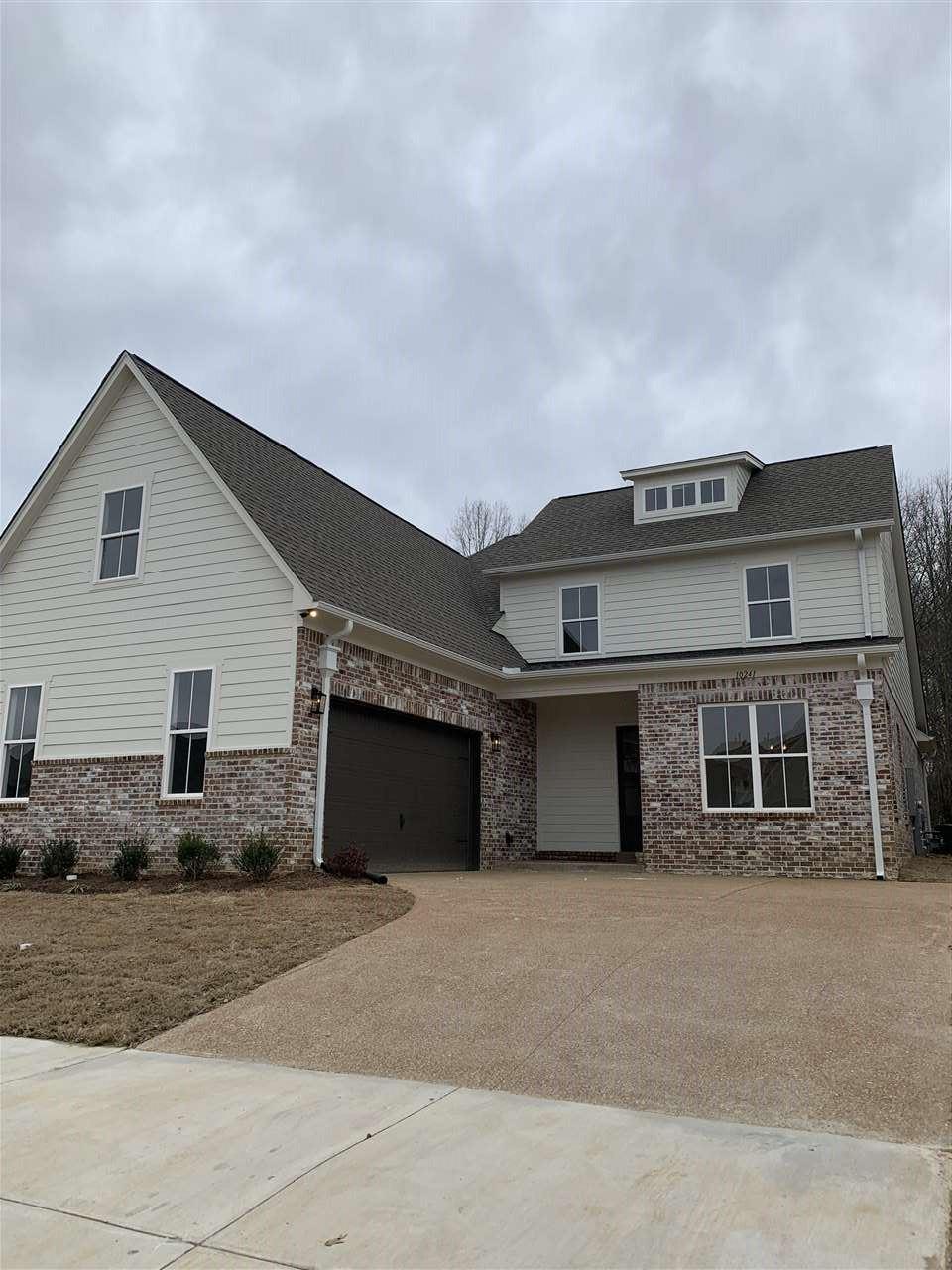 Lakeland                                                                      , TN - $409,900