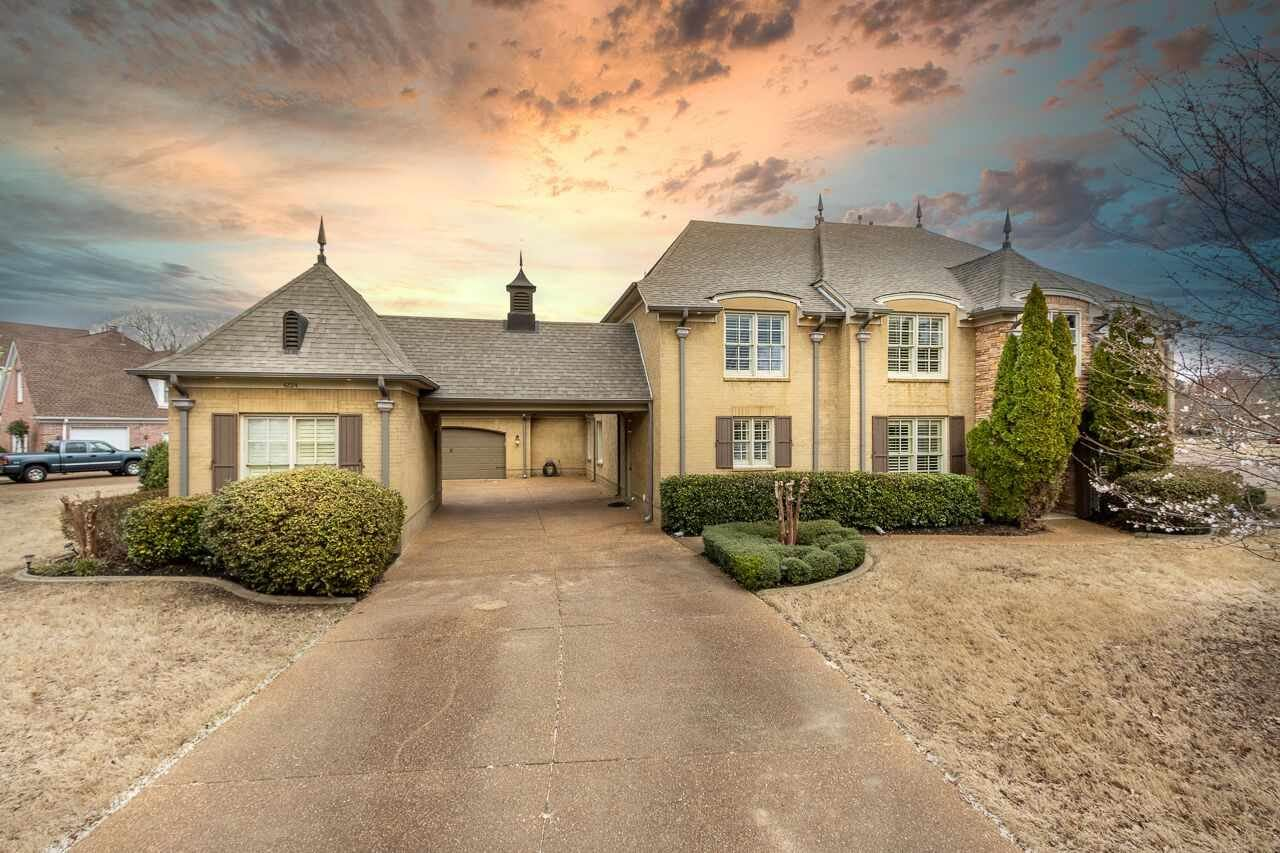 Lakeland                                                                      , TN - $725,000