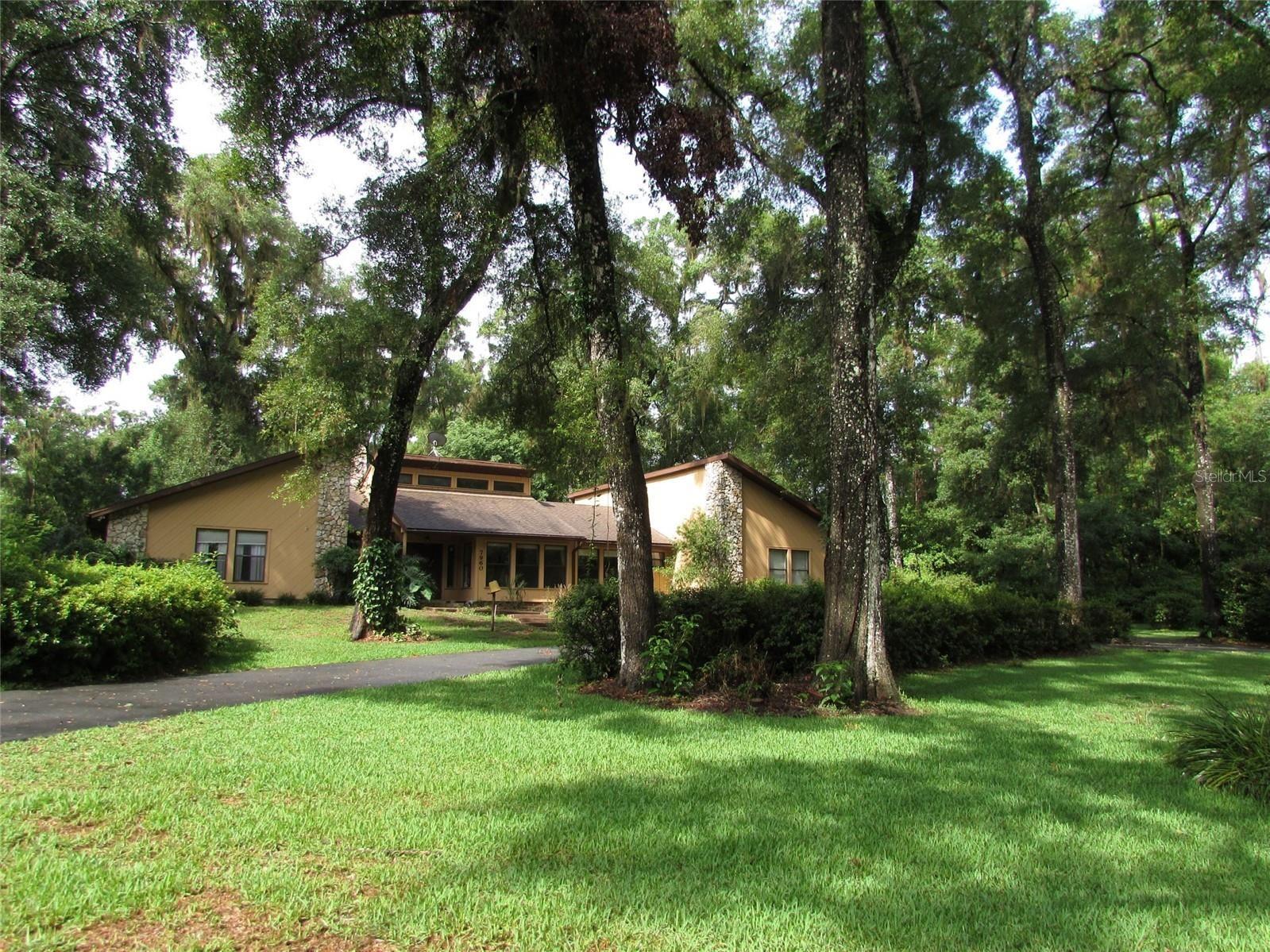 Dunnellon                                                                      , FL - $299,000