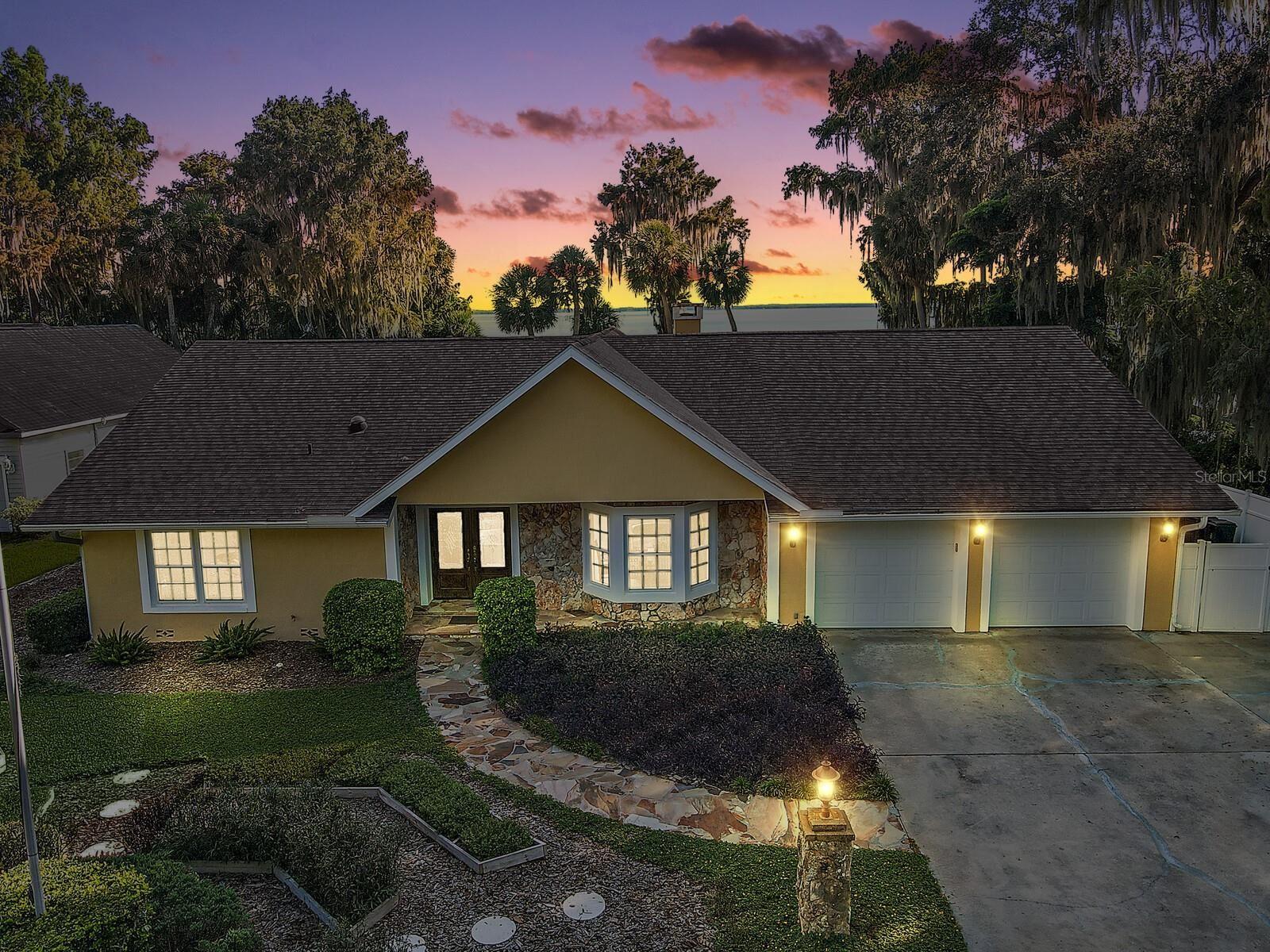 Eustis                                                                      , FL - $799,000