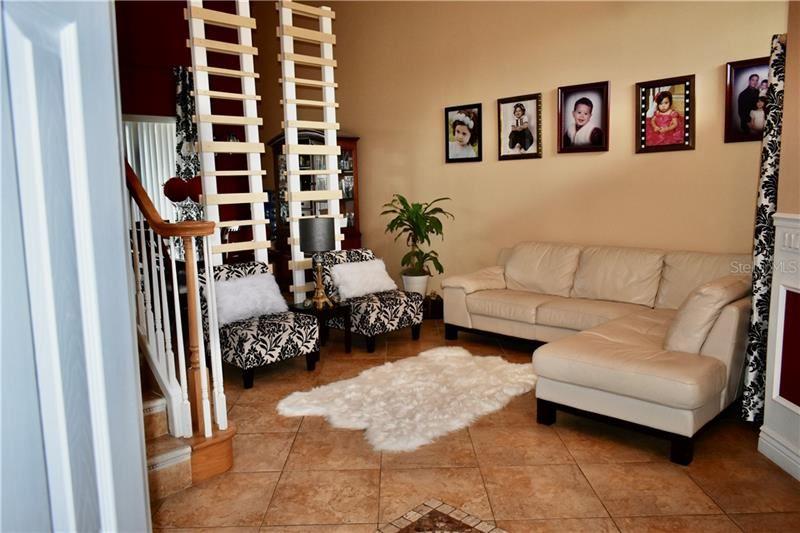 Property Image Of 9810 Oak Crest Road In Orlando, Fl