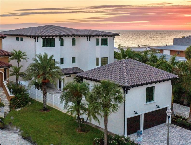 Property Image Of 18212 Sunset Boulevard In Redington Shores, Fl